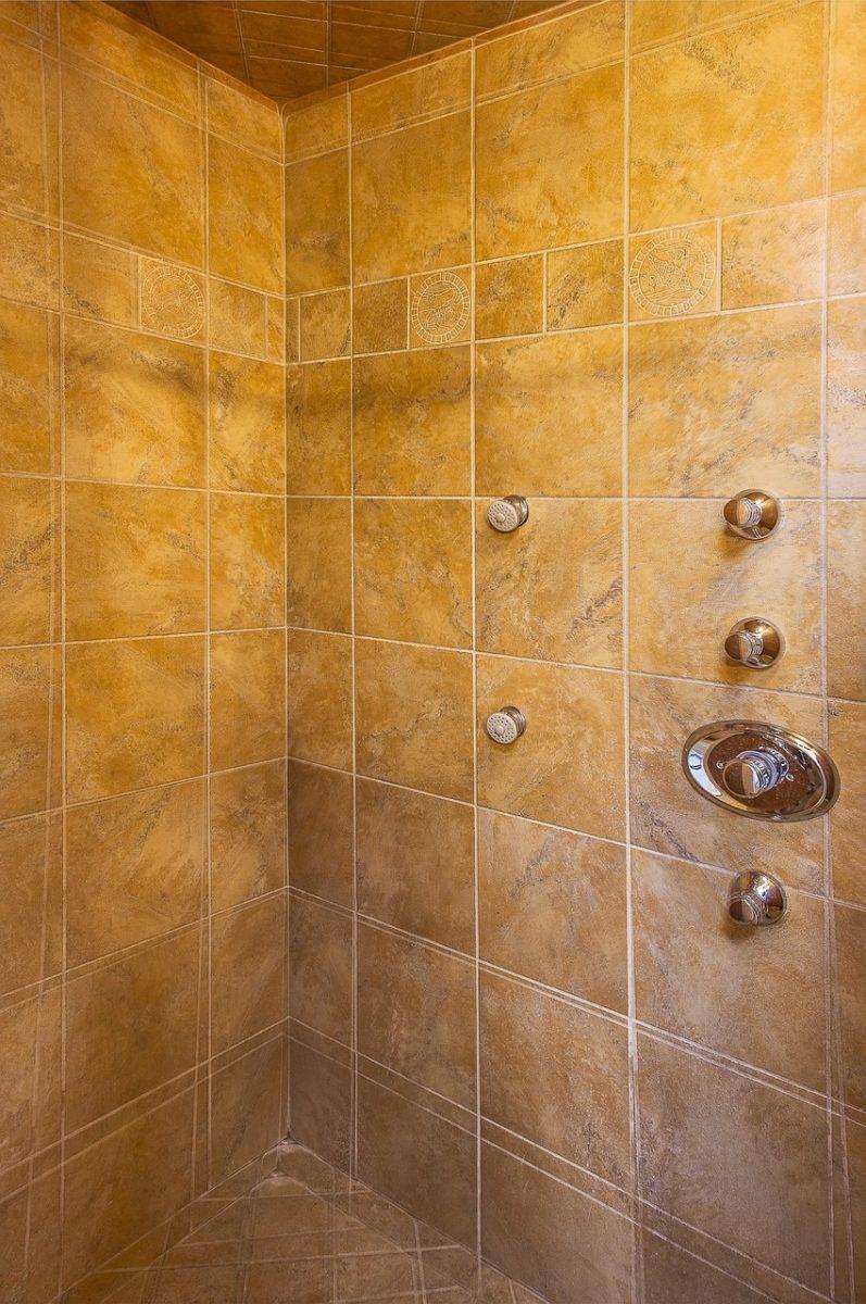 douche aspect ancien